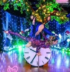 Alice in Wonderland Duo Balance