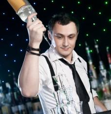 cocktail bar man