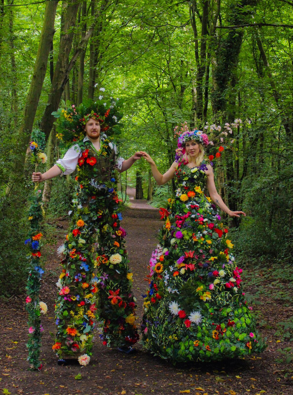 Floral Stilt Duo