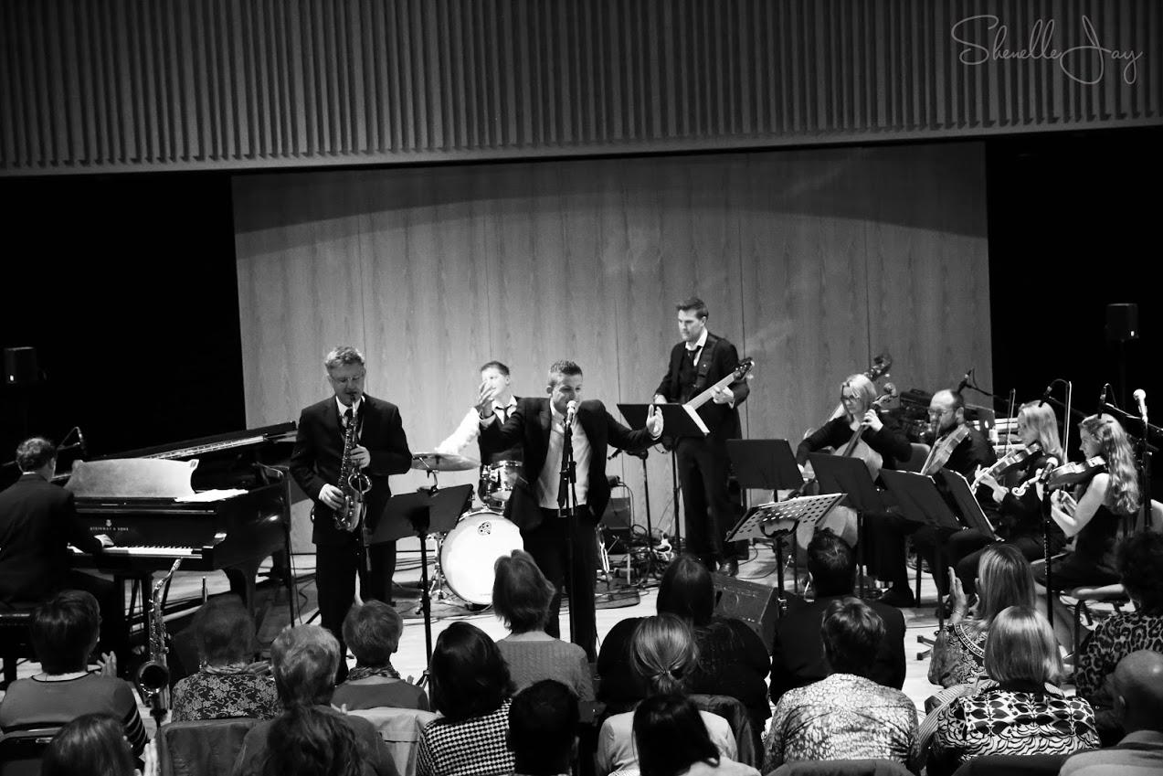 Big Band Swing Singer Hire